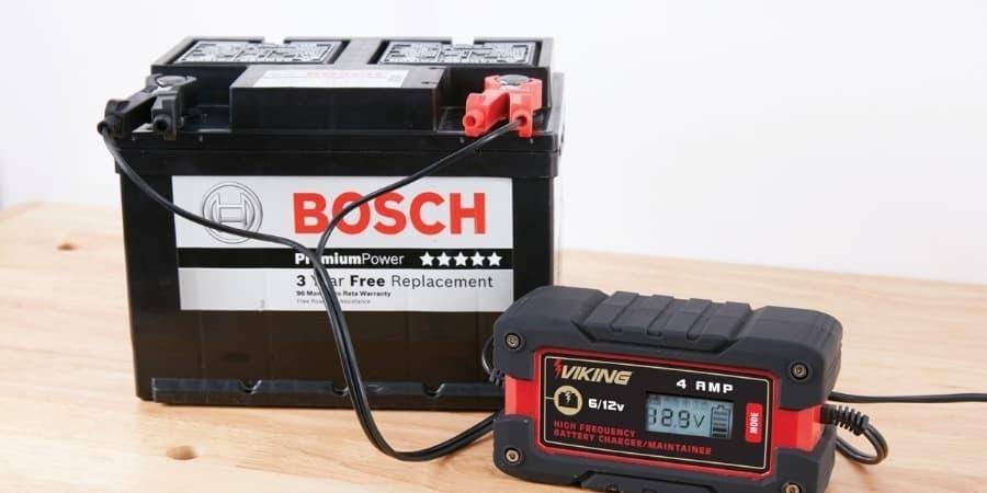batería cargada con cargador