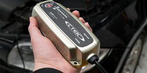 Cargador batería coche auto ctek