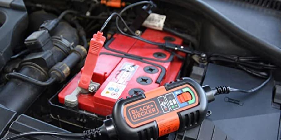 Cargador De Bateria de coche 6V-12V Black&Decker BDV090